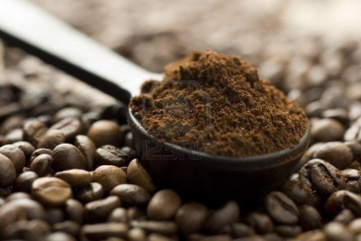 Using Coffee Grounds Correctly to Acidify Soil | Coffee Grounds ...