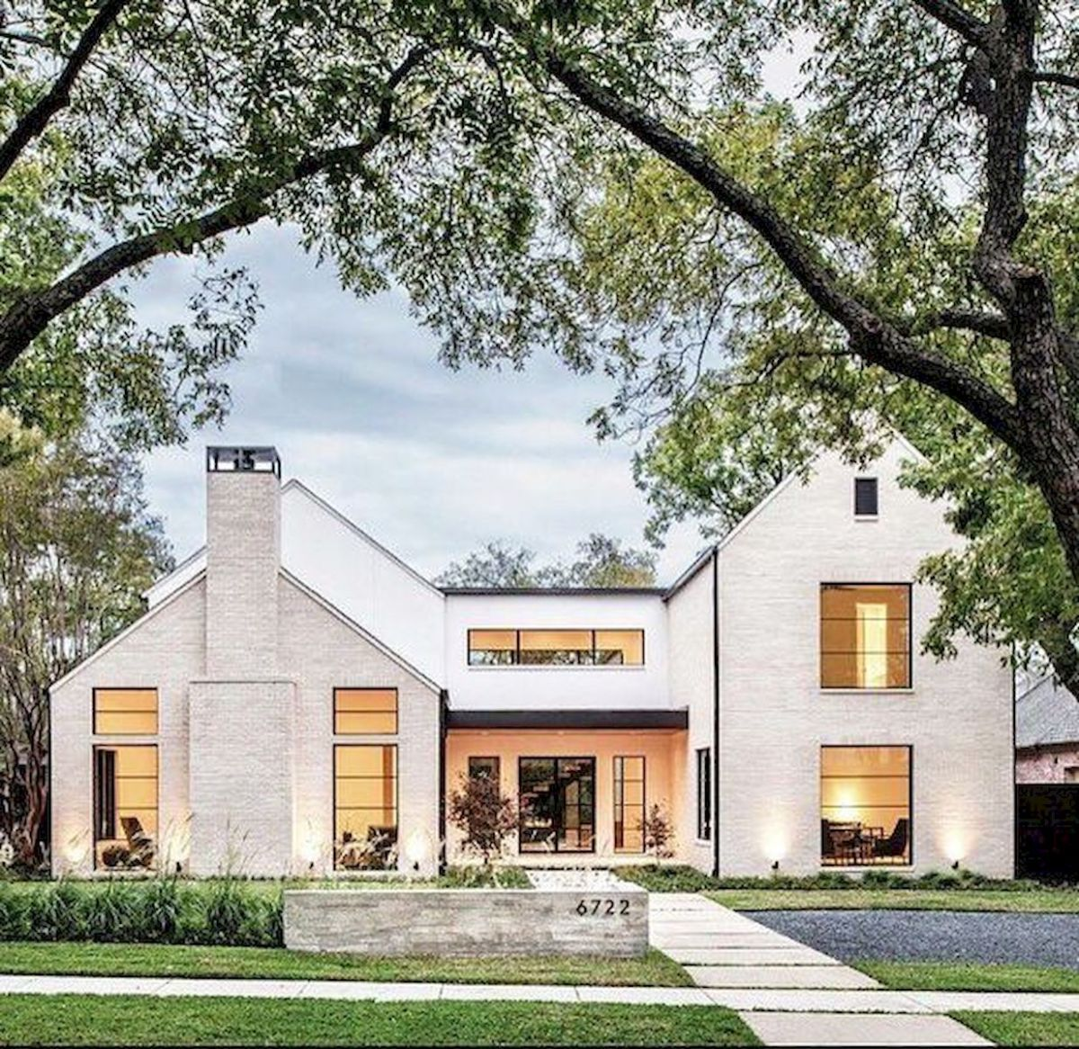 33 beautiful modern farmhouse exterior design ideas 1 in - Rustic modern farmhouse exterior ...