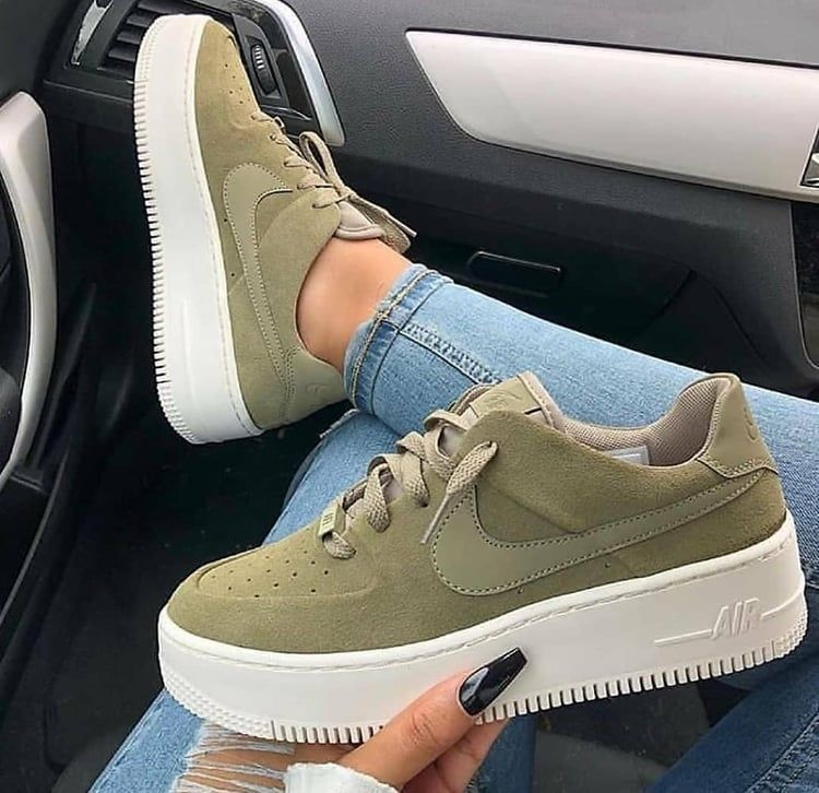 Swarovski nike, Casual sneakers, Outfit
