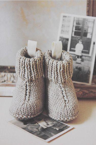 Strikkeopskrift: Nuttede små støvler til baby | strik | Pinterest | Baby, Hækling baby og ...