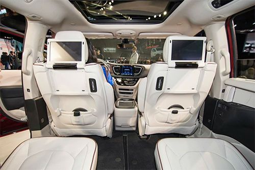 2017 Chrysler Pacifica Lx Penger Van Is The Featured Model Interior Image Added In Car Pictures Category By Author On