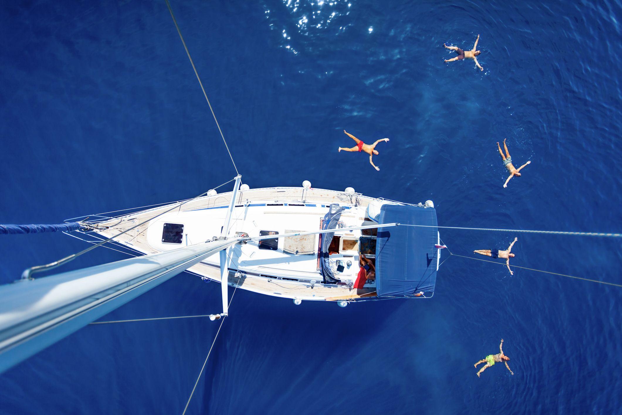 Sailing pleasures in Dubai