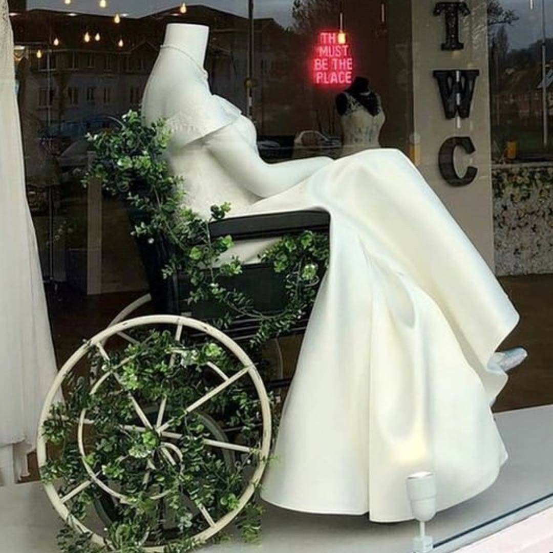 Pin by Amy Dennill on Store Frontage Bridal shop, Bridal
