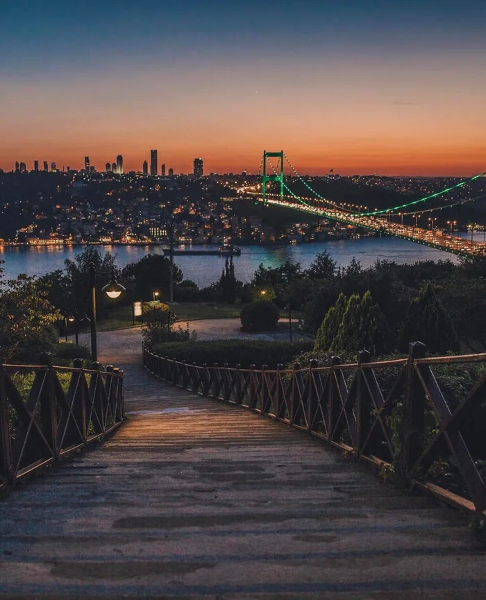 Istanbul after sunset - 9GAG