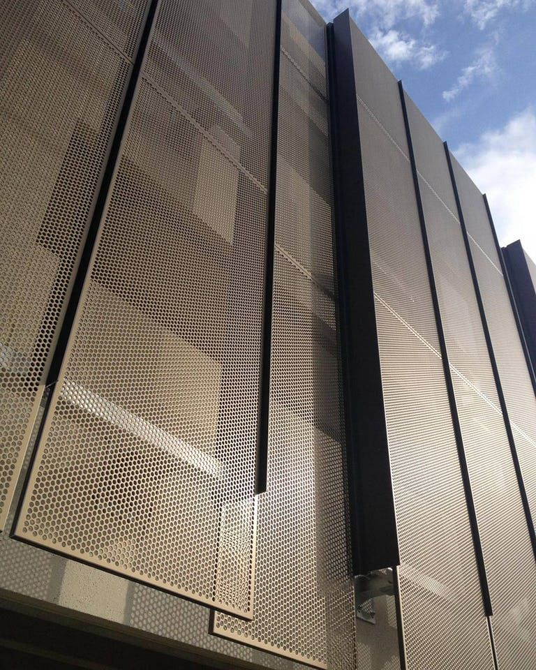 Detail Of The Two Plane Panel System Used On The Stanford University Hoover Parking Structure Metal Facade Facade Cladding Facade Architecture