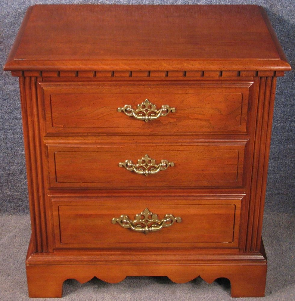 Lenoir House / Broyhill Furniture Industries Cherry Wood 2 ...