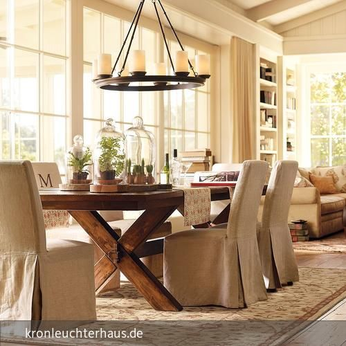 helles wohn esszimmer gemtlich modern mit kronleuchter schmiedeeisern echte kerzen und holz - Wohn Und Esszimmer Modern