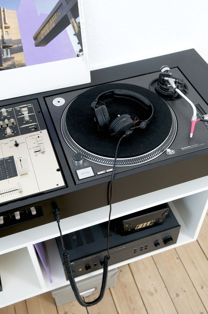 turntable console ulrik bebe dj booths turntable technics turntables dj equipment. Black Bedroom Furniture Sets. Home Design Ideas