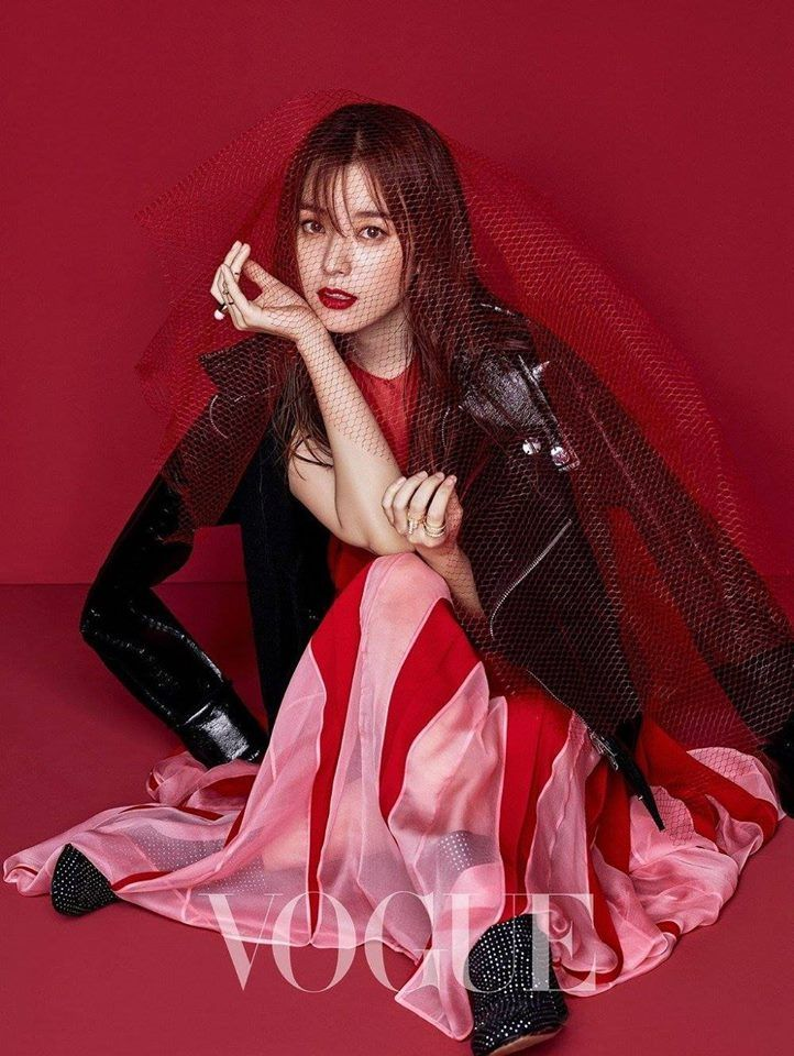 Han Hyo Joo is Amazing in her Pictorial with Vogue Magazine