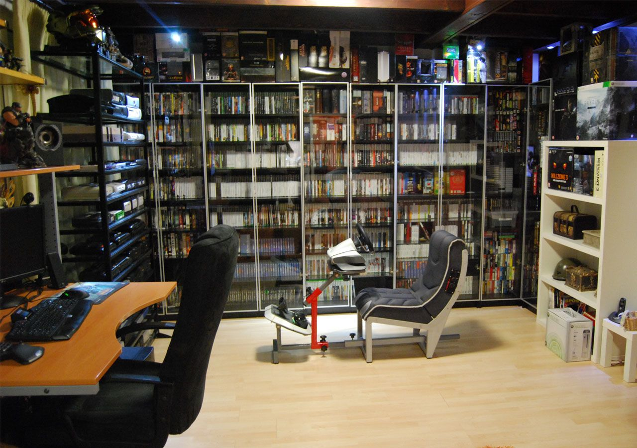 Gaming Setup   Impressive Video Game Collection, Including A Custom  Hand Made Racing Chair