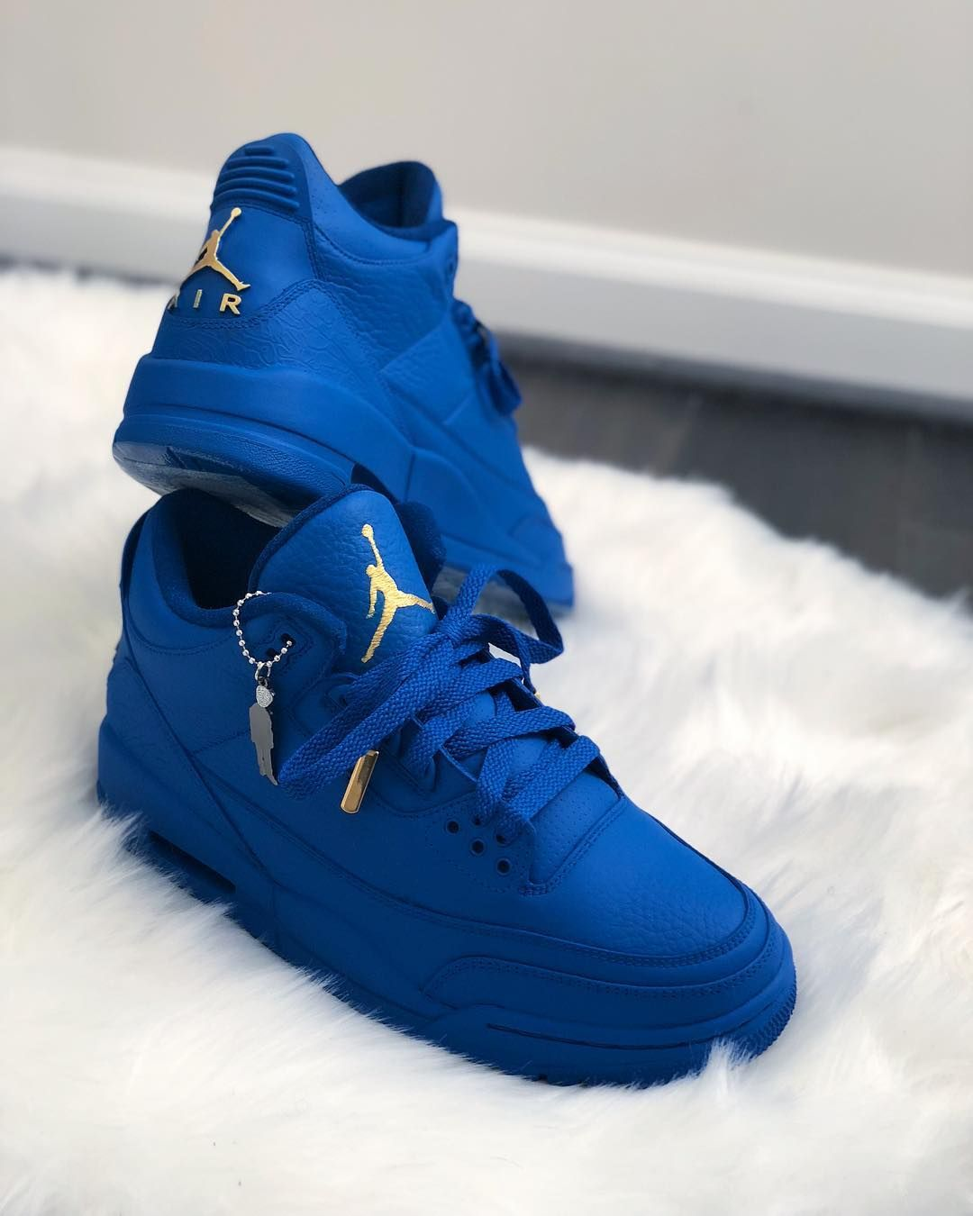 79cb1b24a09 Air Jordan Blue Gold Custom | Jordans in 2019 | Blue jordans, Air ...