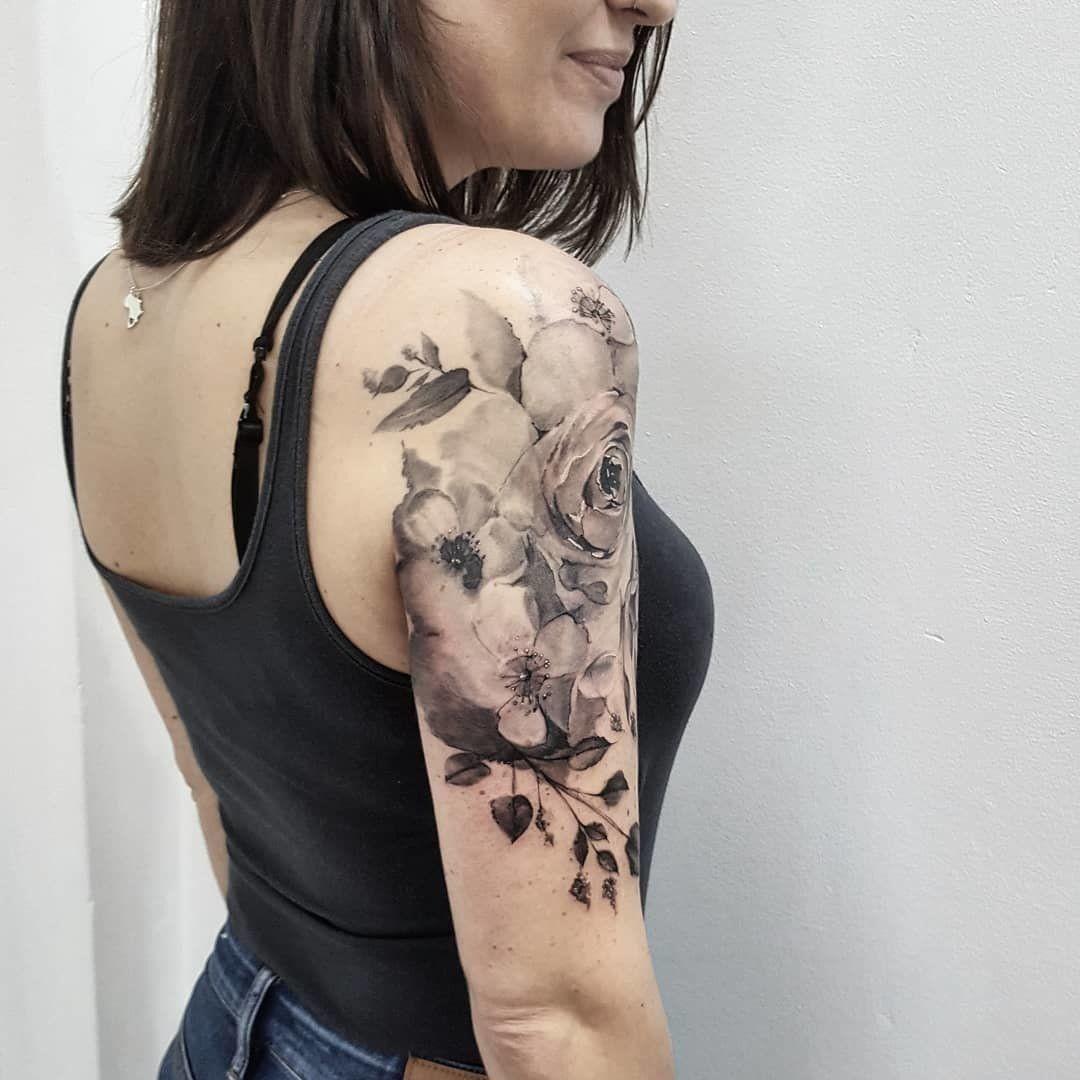 48 Beautiful Rose Tattoo Ideas For Summer Upper Half Sleeve Tattoos Shoulder Tattoos For Women Rose Tattoos