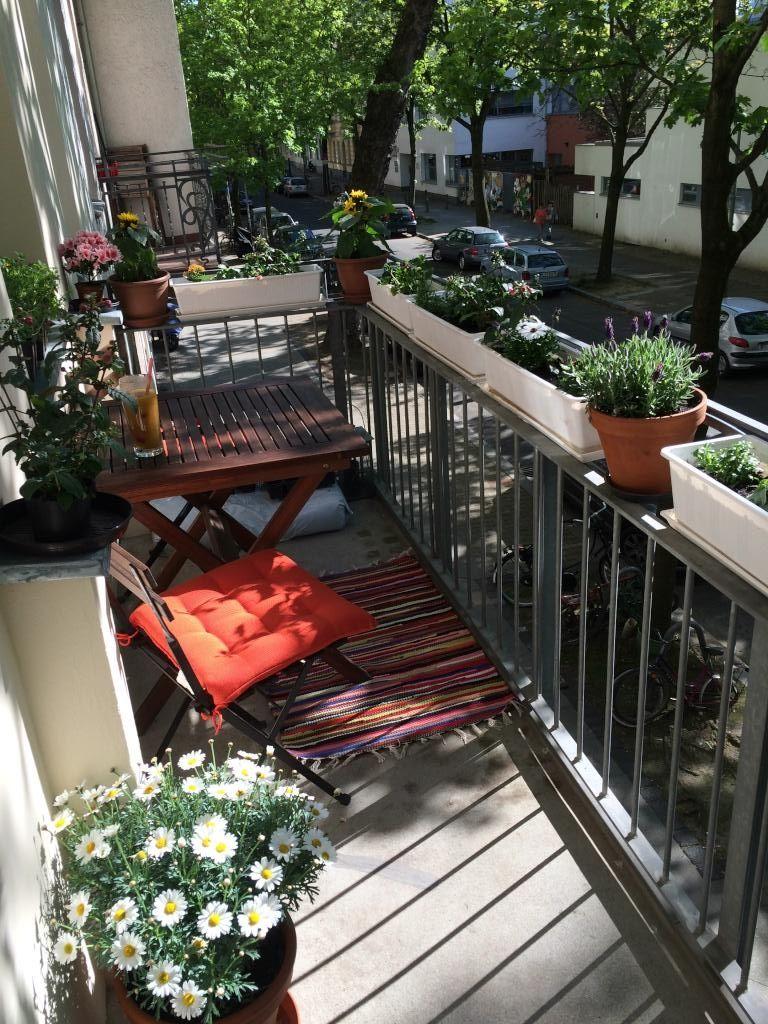 Sonniger Gemutlicher Balkon Einer Berliner Wg Balkon Berlin Wg Terrassengarten Wg Zimmer Balkon