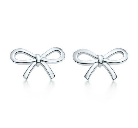 Tiffany & Co. | Item | Boucles d'oreilles Ruban noué, en argent massif. Mini. | France