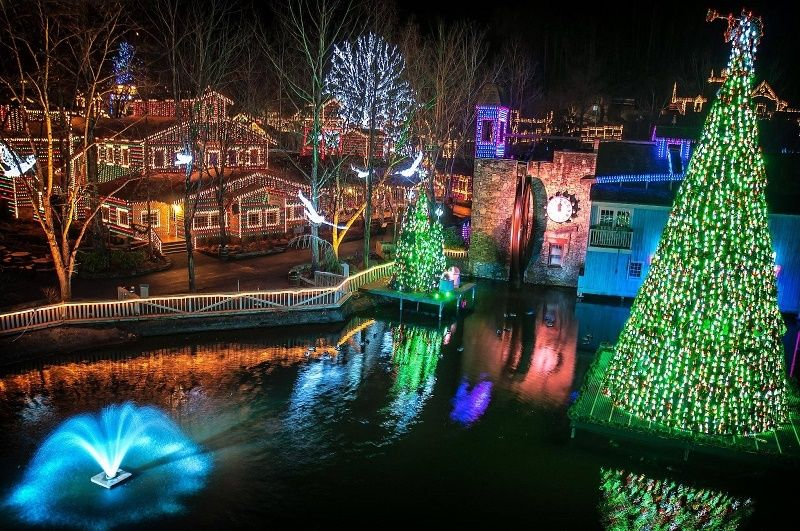 The Most Festive Things To Do In Pigeon Forge During Christmas Gatlinburg Christmas Tennessee Christmas Dollywood Christmas