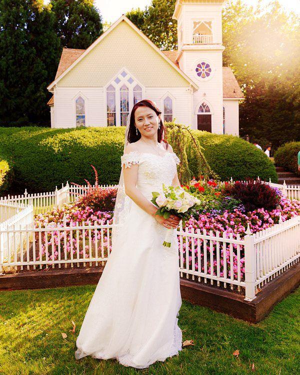 fabulous vancouver wedding A warm touch for the bride Click link in bio 4more pics #weddingphotography #Vancouverbride #vancity #theknot #realwedding #bridebook #junebugweddings #theweddingpic #farawaylandwedding #soloverly #instabride #weddinginspiration #weddingdress #meaningfulwedding #loveAuthentic by @afarawayland  #vancouverwedding #vancouverweddingdress #vancouverwedding