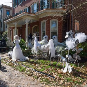 Halloween Decorating Ideas For Outside The House & Halloween Decorating Ideas For Outside The House | http ...