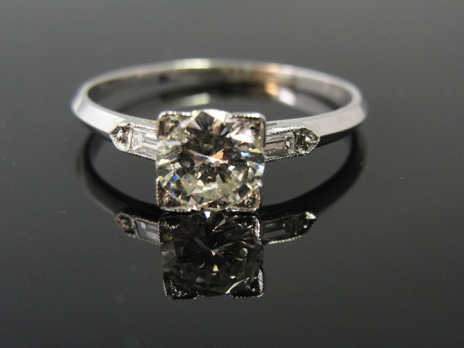 Art Deco 1920s Simple Solitaire Engagement Ring with