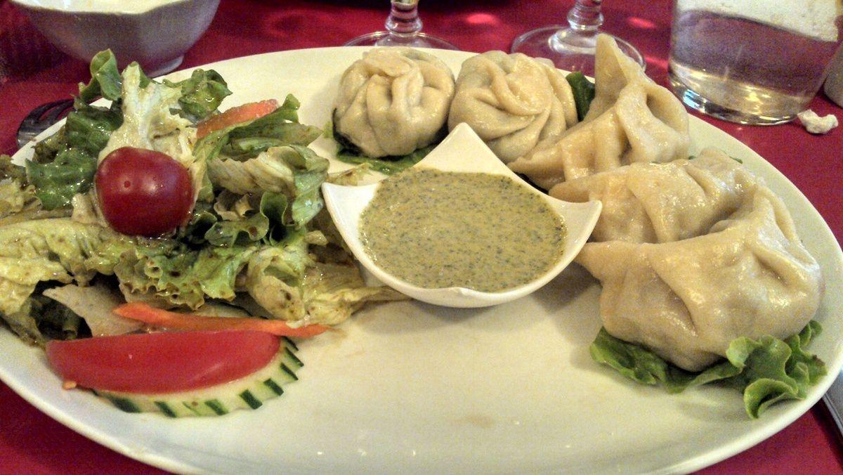 Sha momo (boeuf) et tsel momo (légumes) / Lithang - Paris 5 #tibetain (avis restau complet sur le blog)