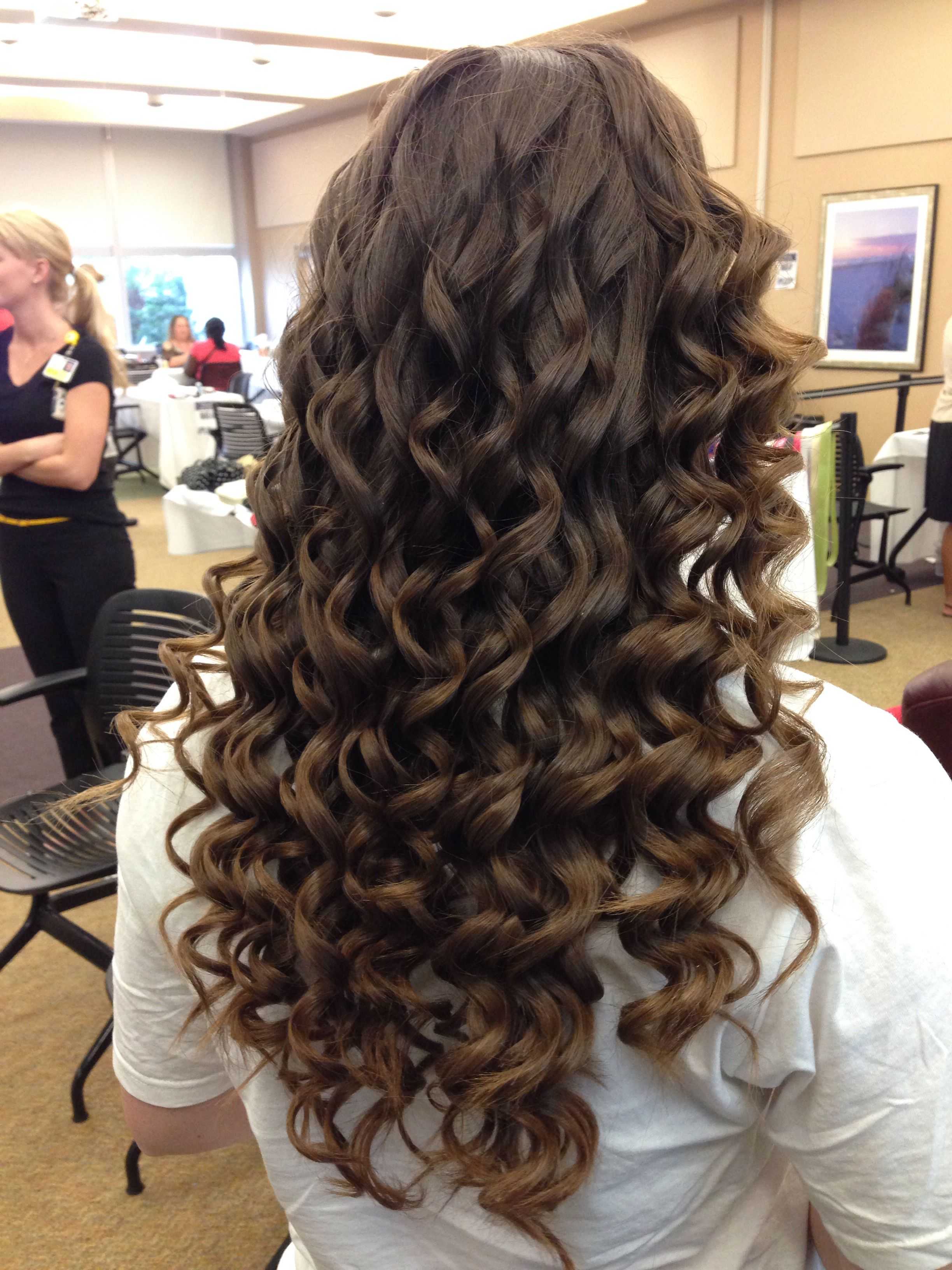 Pin By Kim Leach On Portfolio Hair Styles Wand Hairstyles Curly Hair Styles