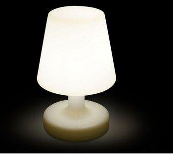 Image D Une Lampe on craque pour cette lampe led nomade, design et pratique. cette