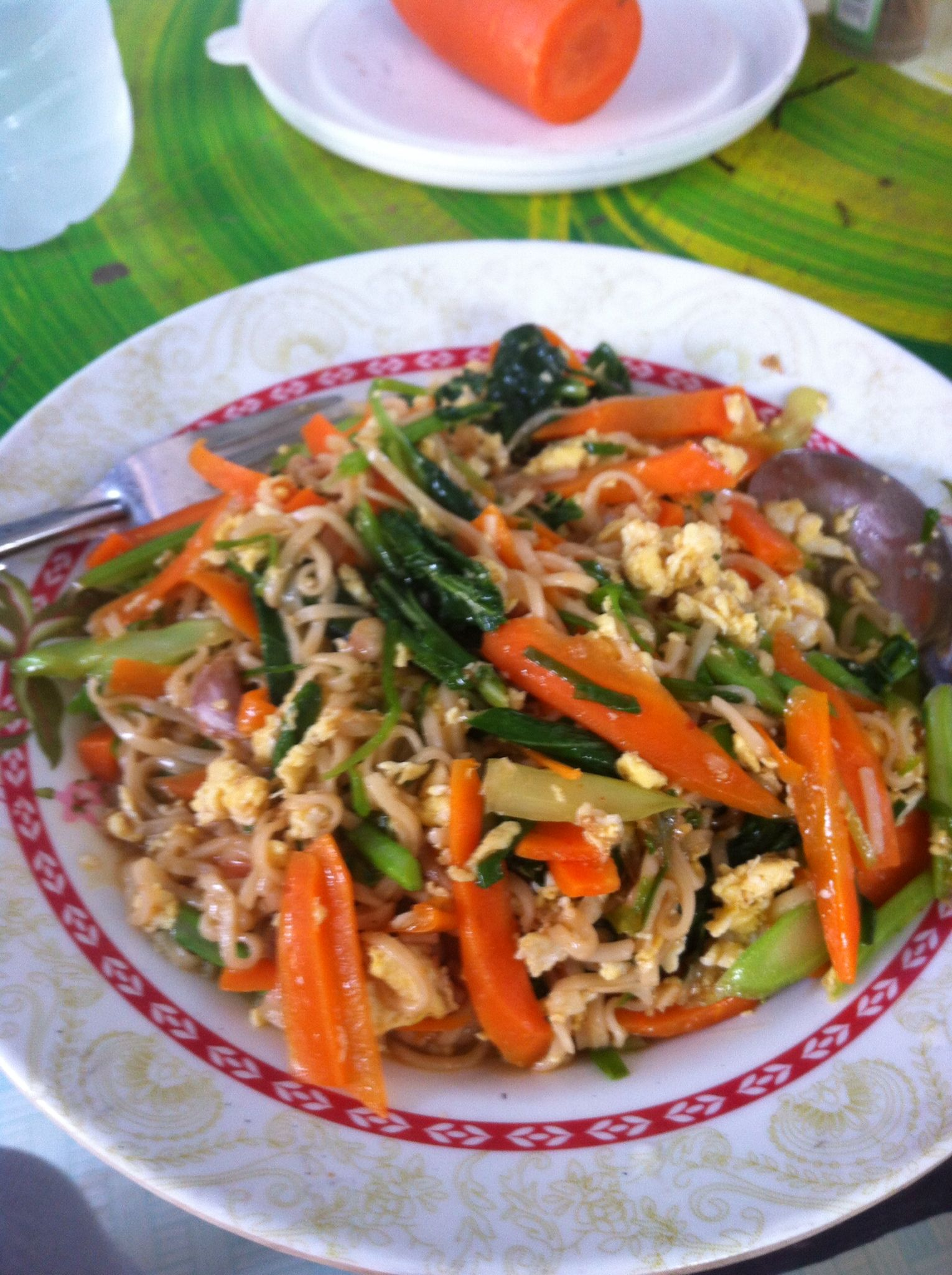 "Good afternoon with Thai food "" pad mama "" the Manu dish"