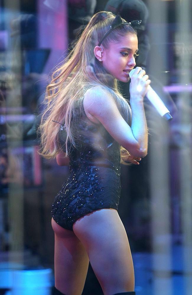 Ariana Grande Bare Ass