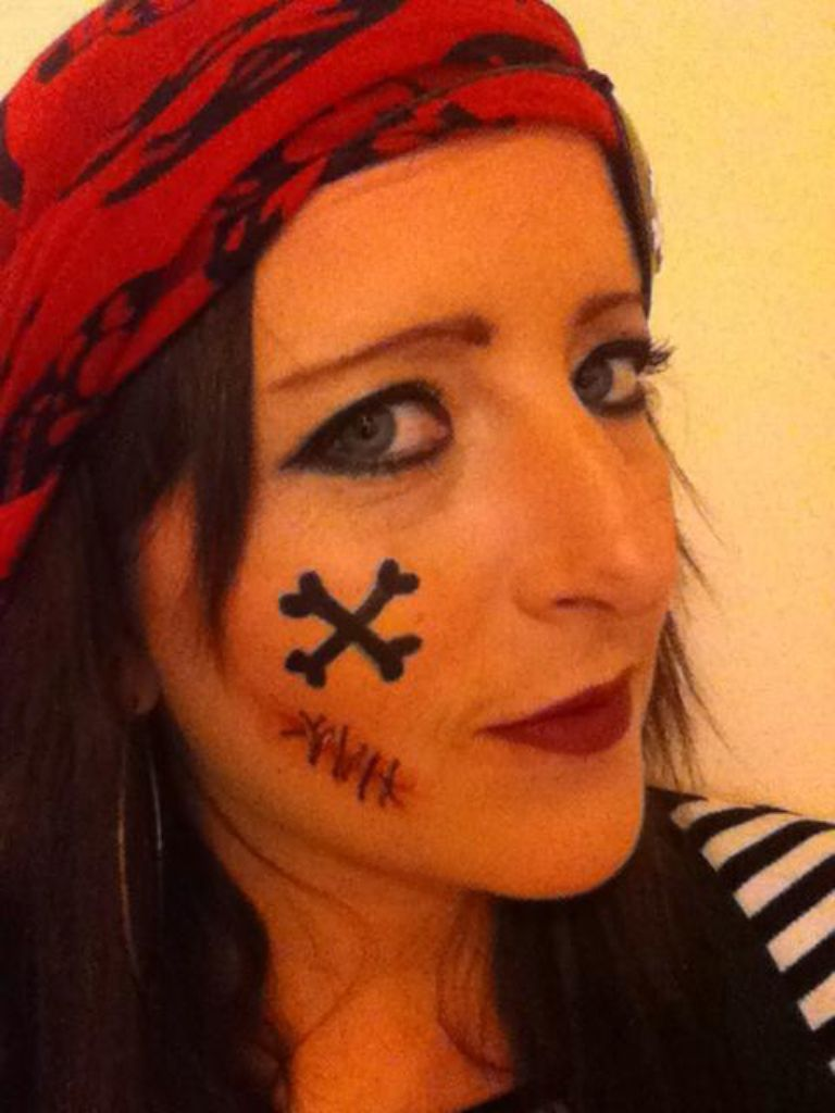 Female Pirate Face Paint Make Up Pirate Girl Makeup Pirate Makeup Pirate Woman