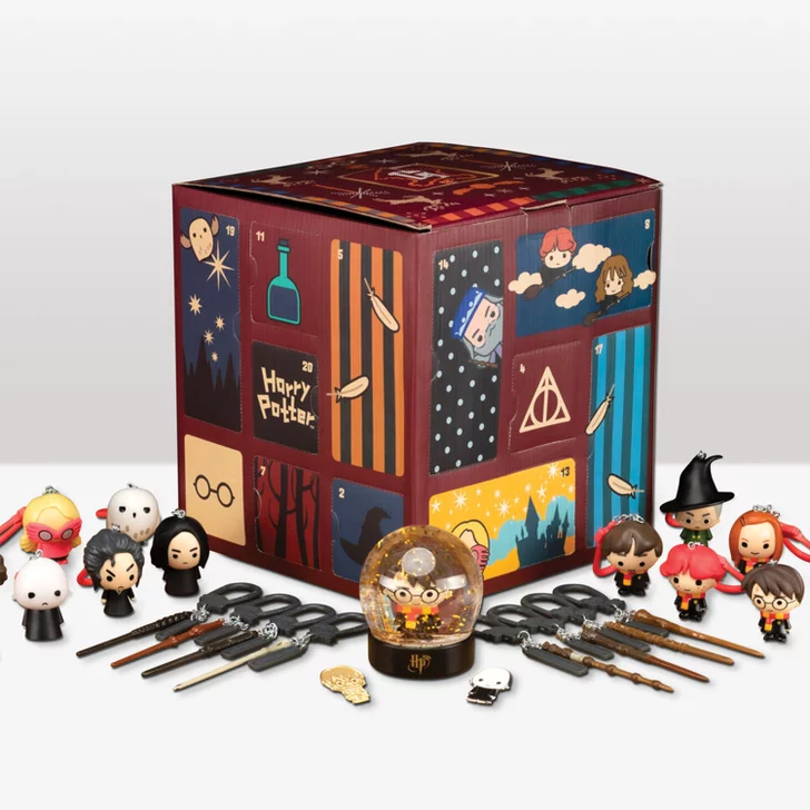 This Harry Potter Ornament Advent Calendar Comes With Hermione Ron Hedwig And More Harry Potter Advent Calendar Harry Potter Ornaments Mini Christmas Ornaments