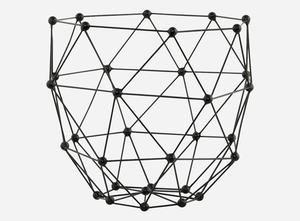 """En snygg korg i lagom storlek för förvaring av mössor och sånt i hallen. Antingen/till exempel """"Wire"""", storlek s, färg mint, från Ferm Living, """"Molecular"""" från House Doctor (det är den på bilden), """"Hexagon"""" från Åhlens eller """"Metallkorg"""" från H&M Home"""