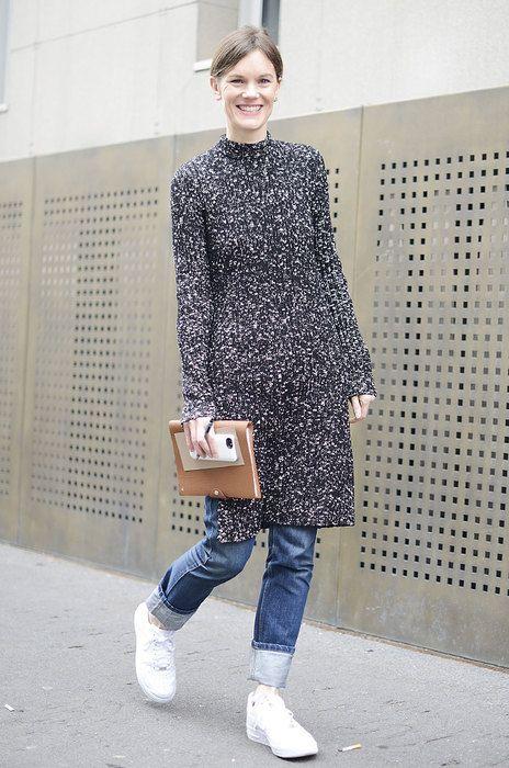 1aa92af6c23 сочетание платье с брюками образы Недели Моды