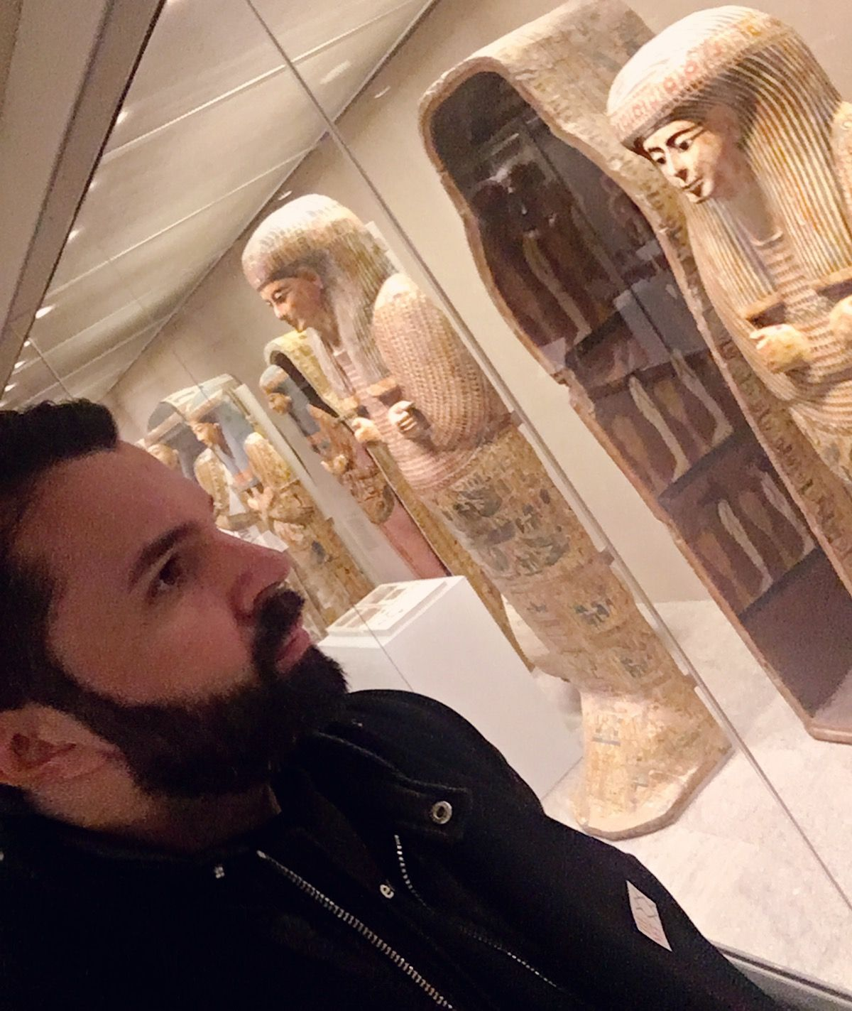 Pai daca nici la New York, nu merg la muzeu...atunci unde?! 🗽🏛🏙🇺🇸🔝#newyork #metropolitanmuseumofart #holiday #xmas #me #happy #doctor #doctorlazarescu #drlazarescu www.doctorlazarescu.ro