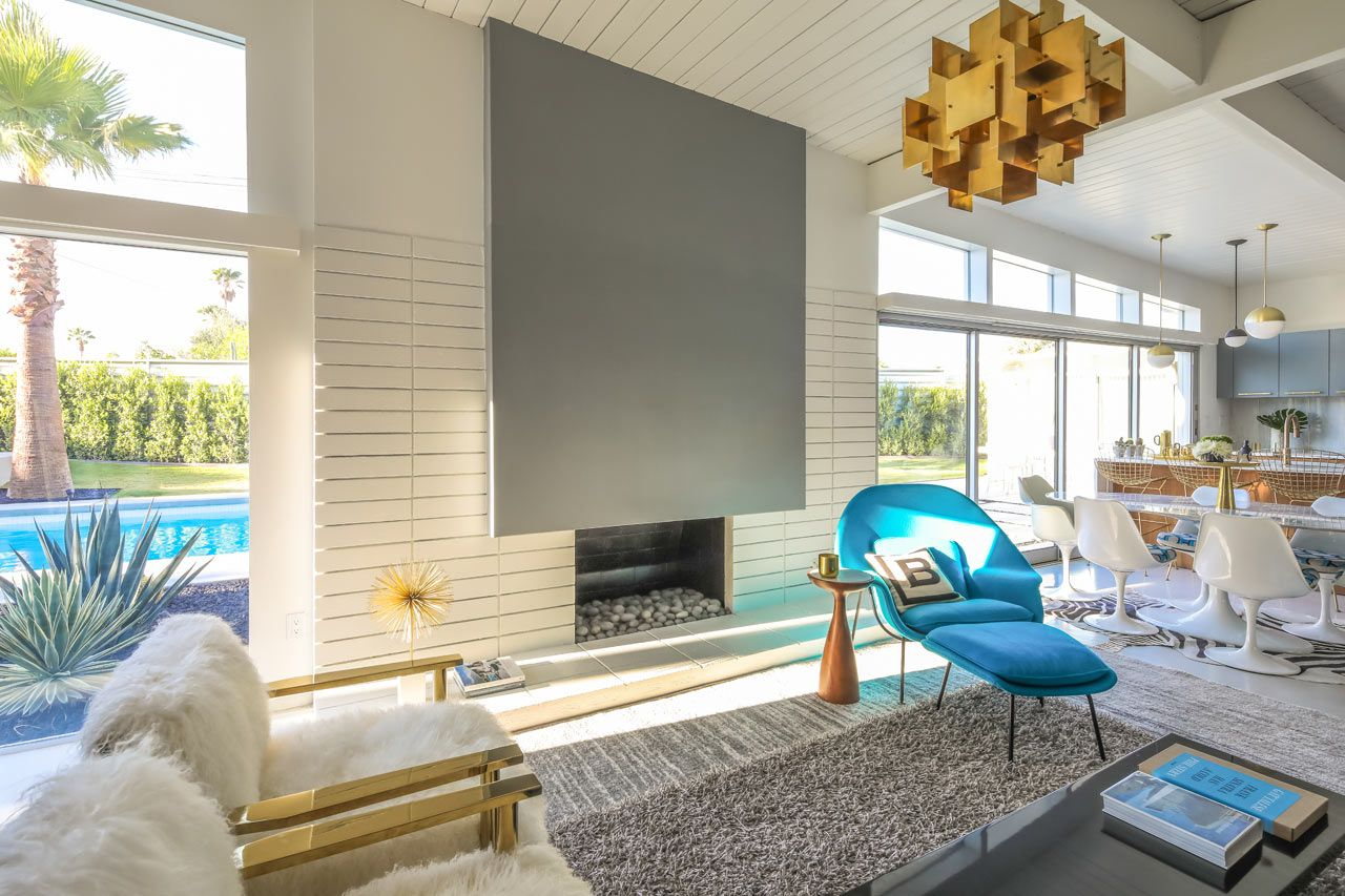 A Palm Springs Mid Century Modern Home Gets Lovingly Restored Mid Century Modern House Palm Springs Mid Century Modern Mid Century Interior Design