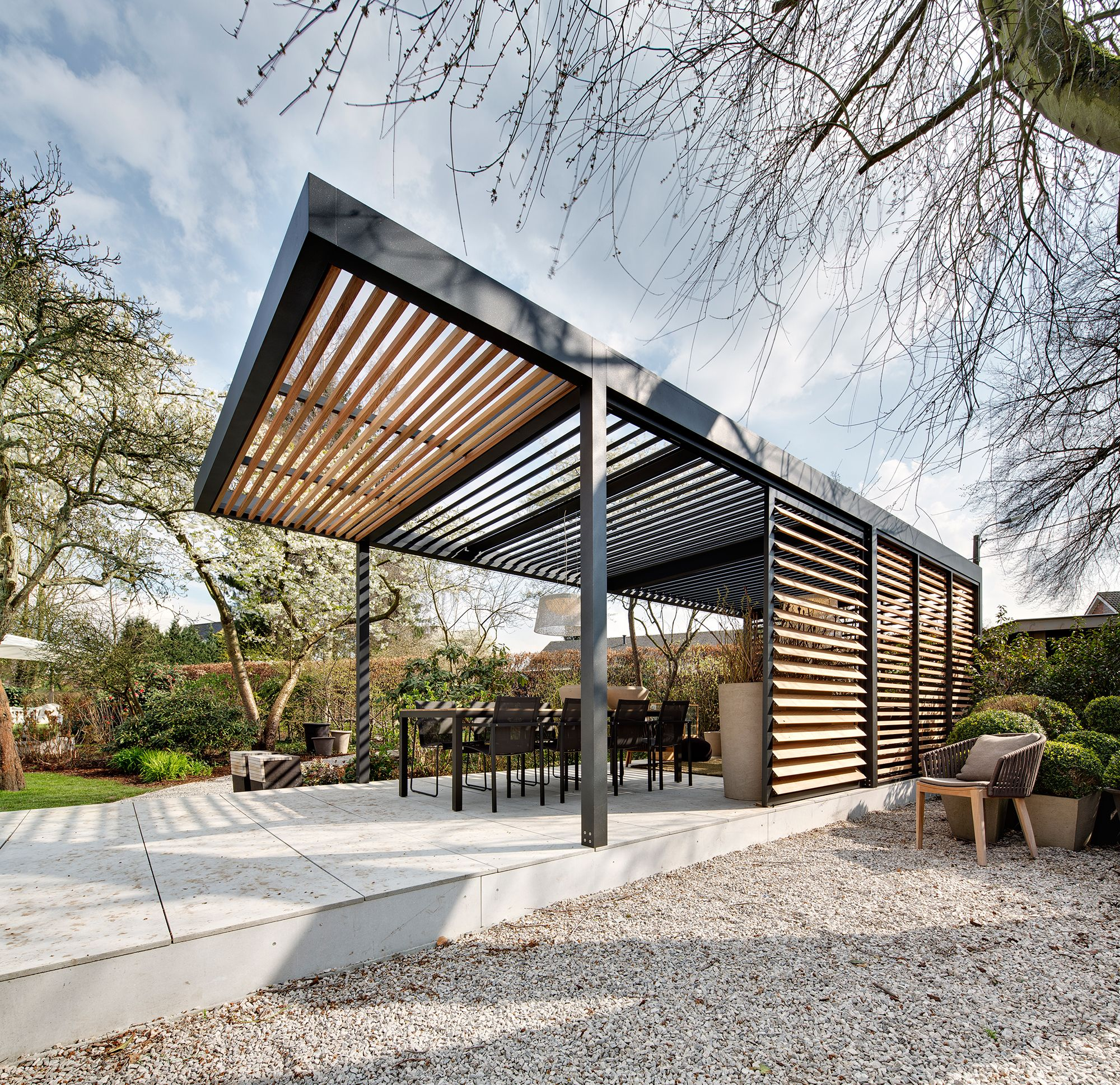 Custom Outdoor Living Spaces: Umbris Architectural All-weather Louvre Patio Roof System