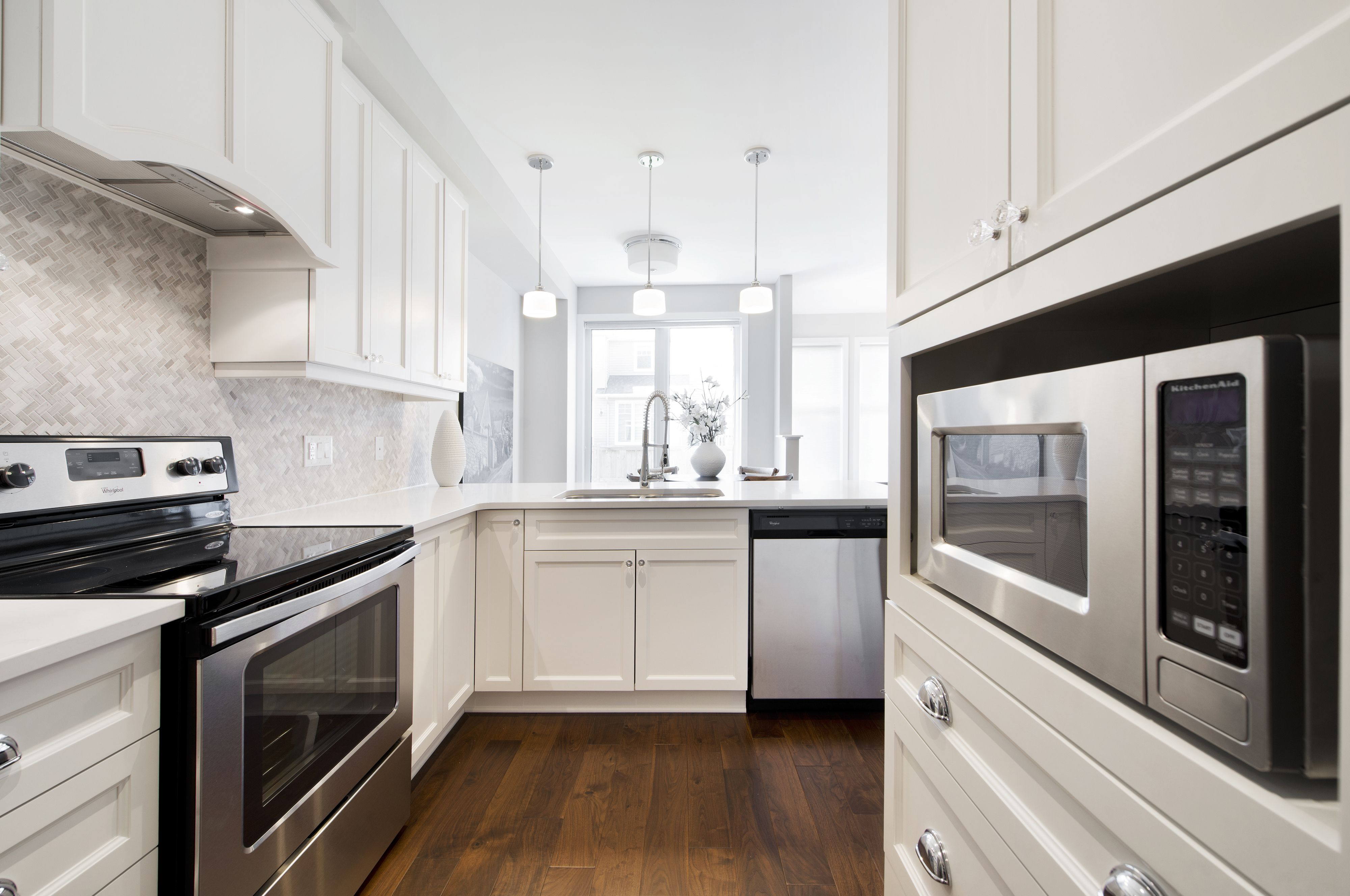 this is the kitchen of the granite townhome model home in tartan u0027s
