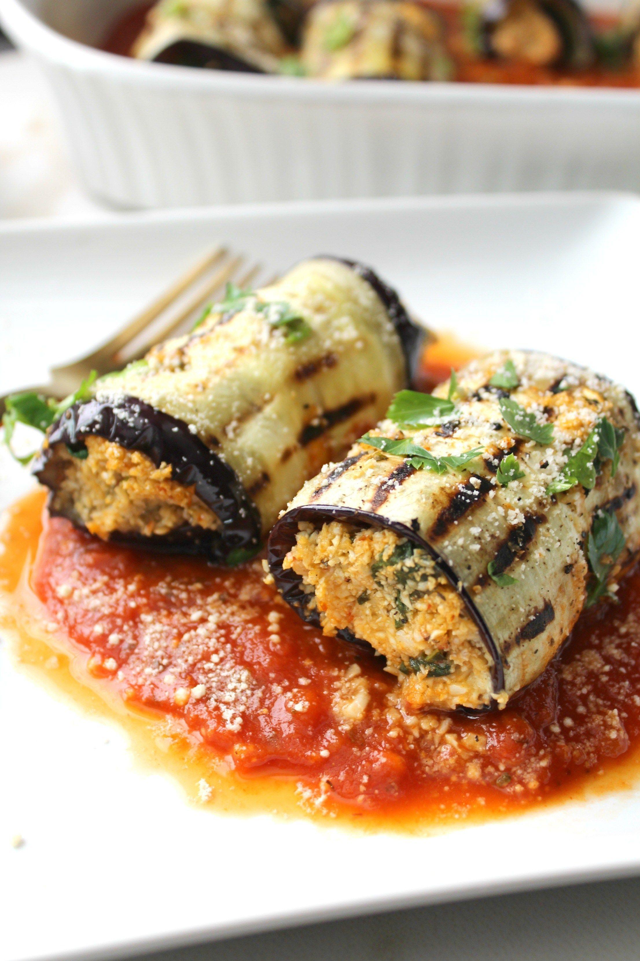 A Light Easy And Fresh Dinner Mediterranean Vegan Eggplant Roll Ups A Combination Of Seasoned Cauliflower Rice Ro Savory Vegan Vegan Dinners Vegan Eggplant