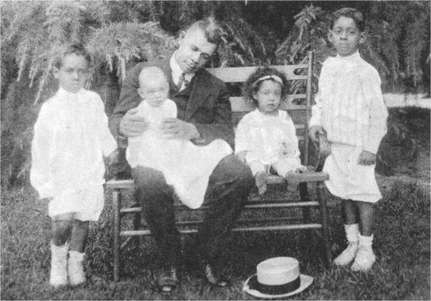 Booker T Washington And Grandchildren Copyright C 2014 By