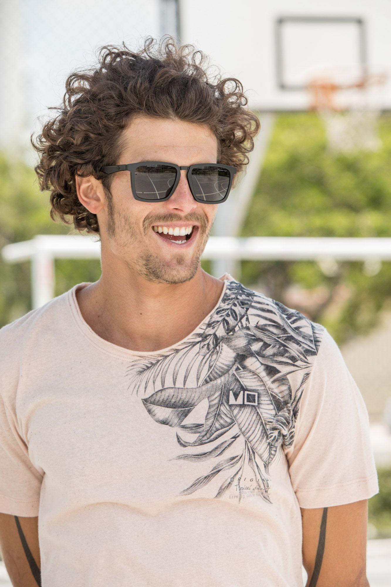 9a223b91a Camiseta maaculina, moda, tendências, lifestyle, óculos, relógios,  confecção, praia