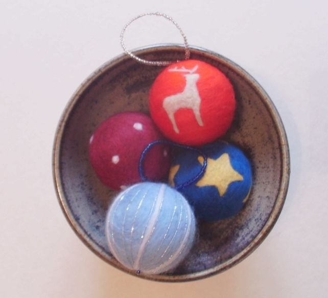 NEEDLE FELTED CHRISTMAS BAUBLES