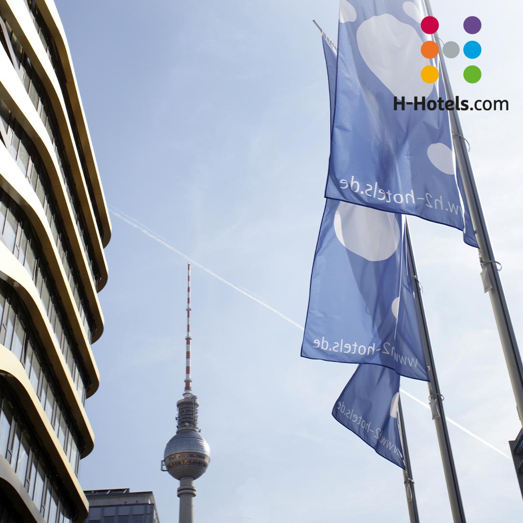 Ausblick Auf Den Fernsehturm Im Herzen Der Hauptstadt In 2020 Hotel Berlin Hotel Gast Hotels