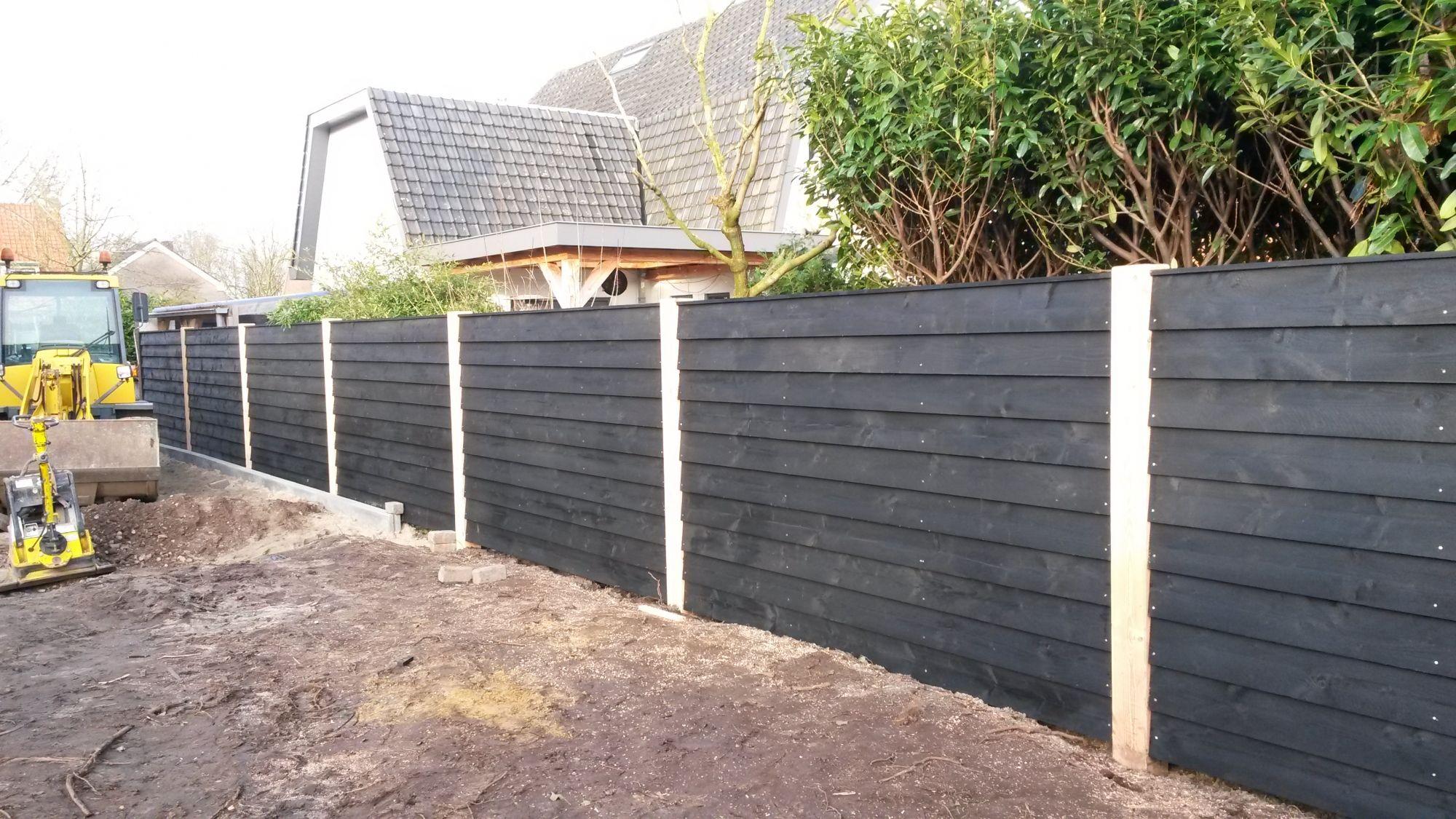 Zwarte schutting google zoeken tuin pinterest for Foto op hout maken eigen huis en tuin