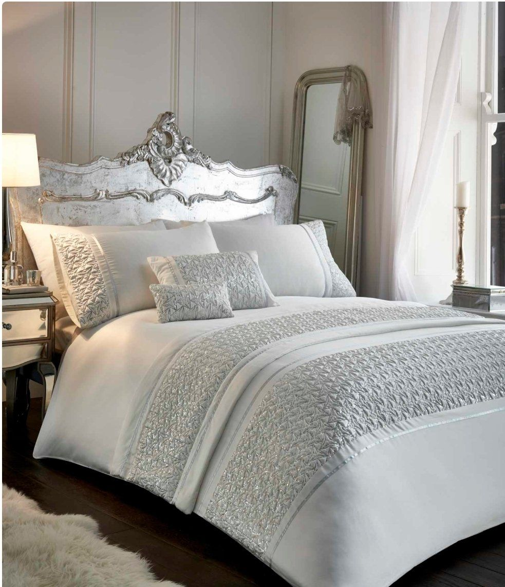 The #Zeniaduvetcover set provided a dignified and sophisticated look to any #bedroom. With silver sequins adorning silver shimmering satin, there's bold geometric shapes and a strong art-deco inspired pattern. Trimmed with ribbon to complete the glamorous look #bedset #cosybedrooms #bedroomcomforts #theaccessoryzone