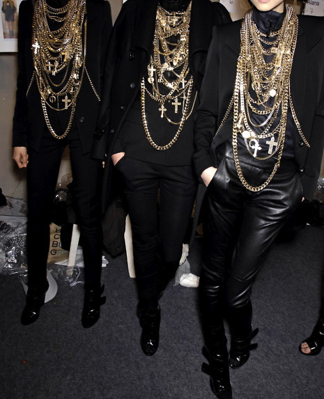 givenchy chains *-*