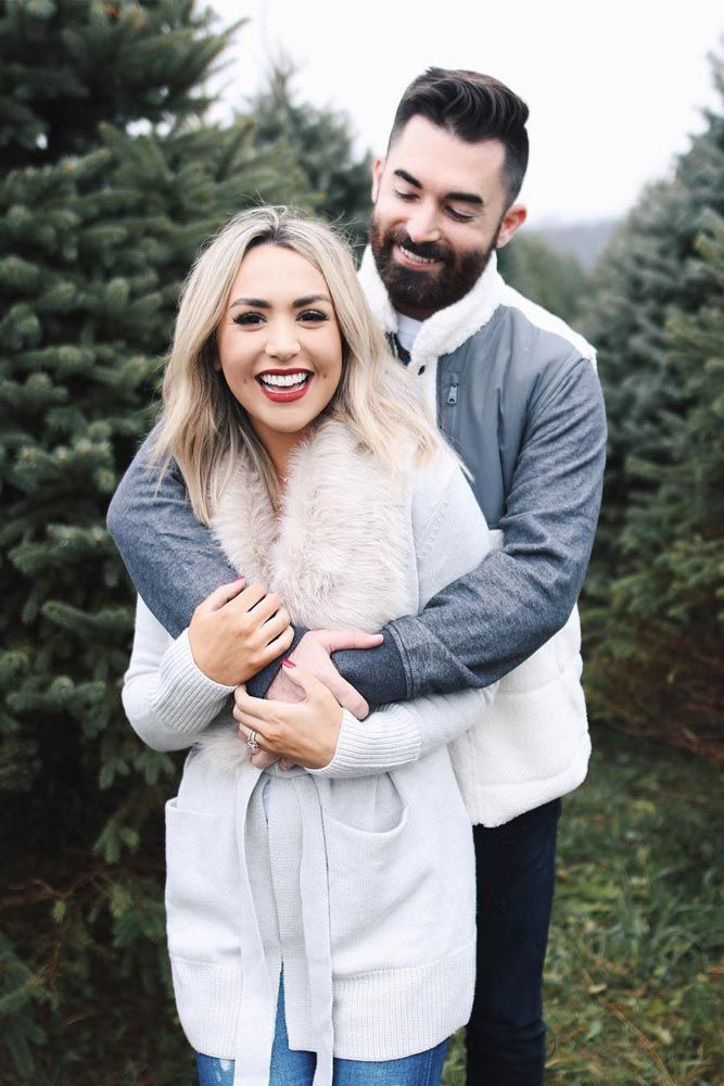 Most charming Christmas photos for those who are in love.