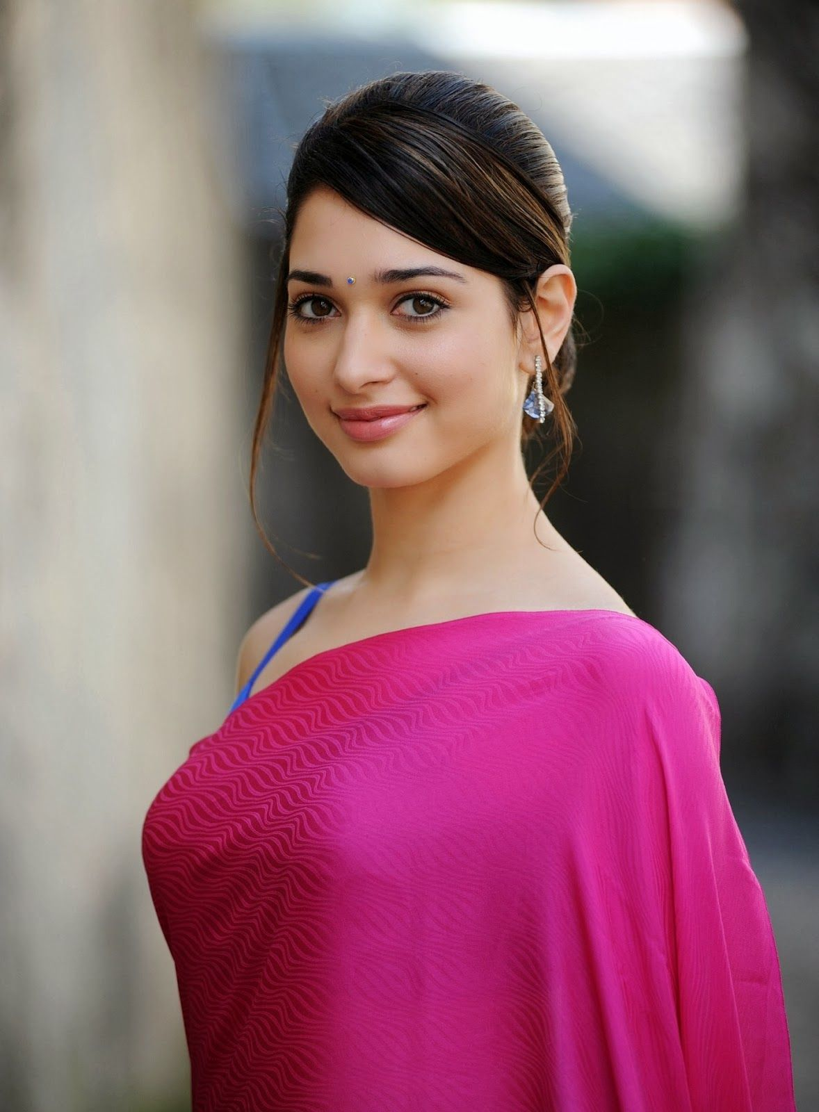 Milky White Beauty Tamanna Bhatia Looks Dropdead Gorgeous In Pink ...