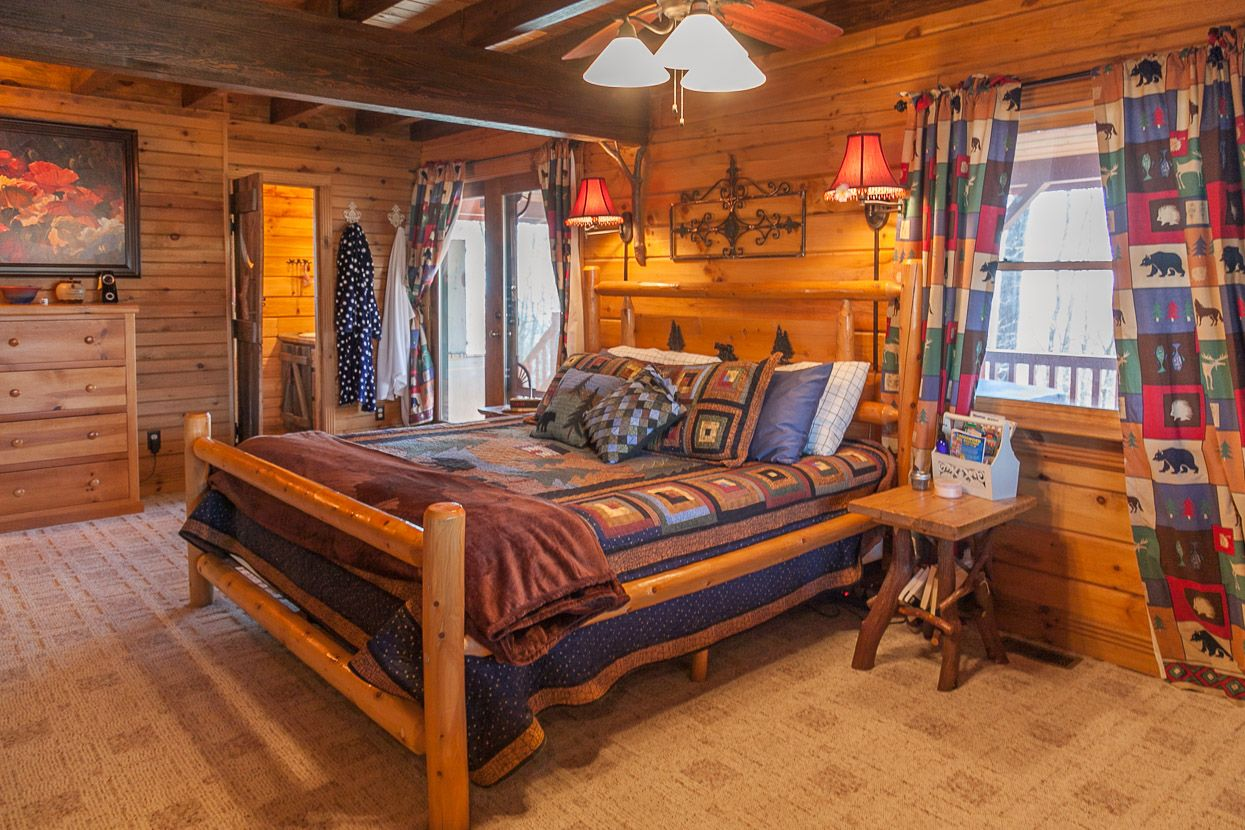 Firefly Cabin, 3000' Elevation Log cabins for sale