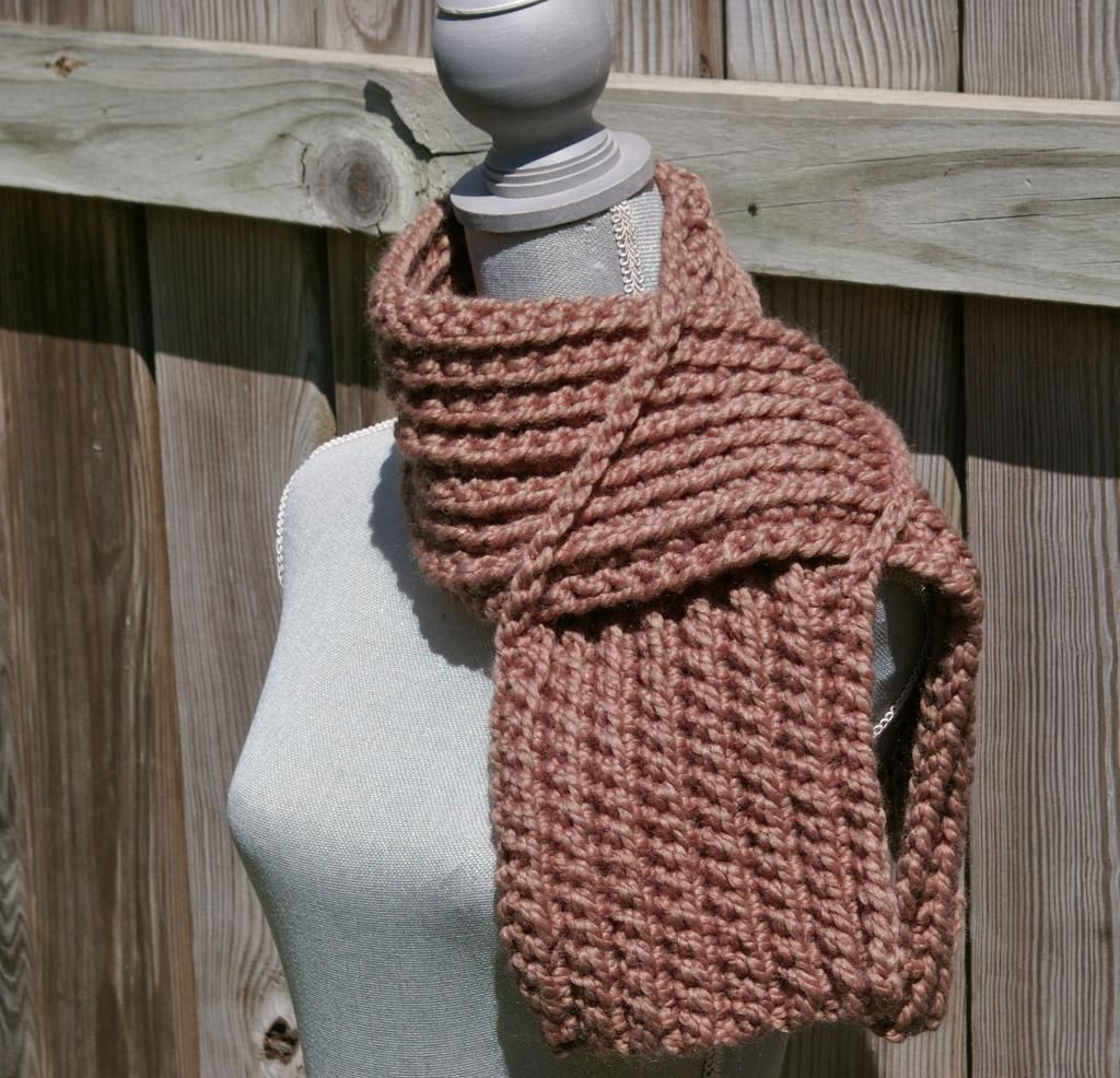 Chunky Keyhole Scarf | Scarf patterns, Scarves and Patterns