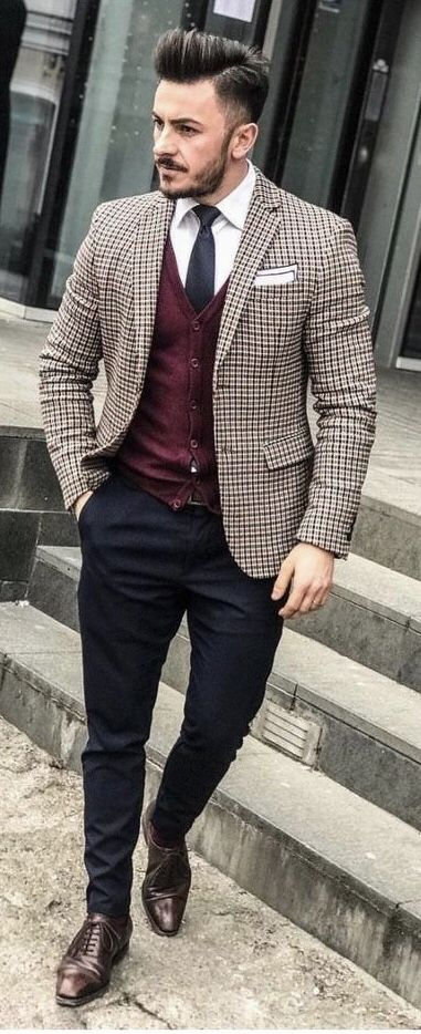 Fall combo inspiration with a burgundy cardigan burgundy