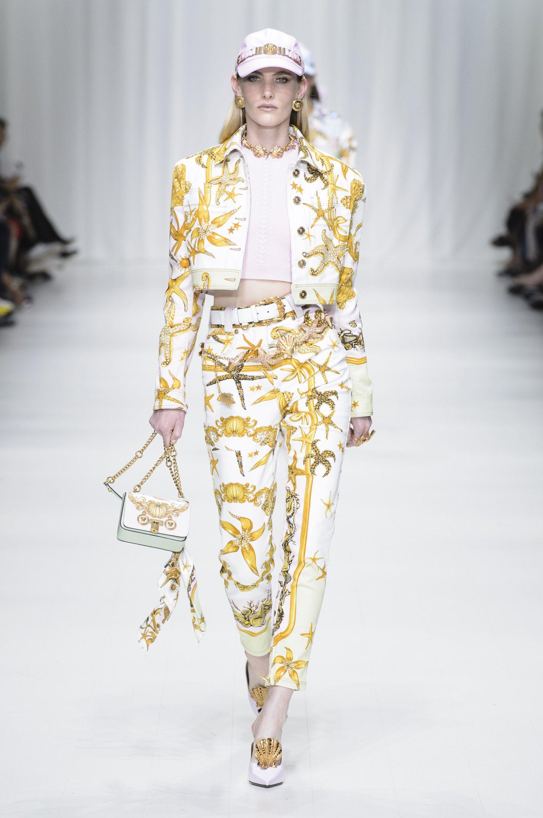 ecefefb4131f Versace printemps-été 2018   Tendances   Trends en 2018   Pinterest ...