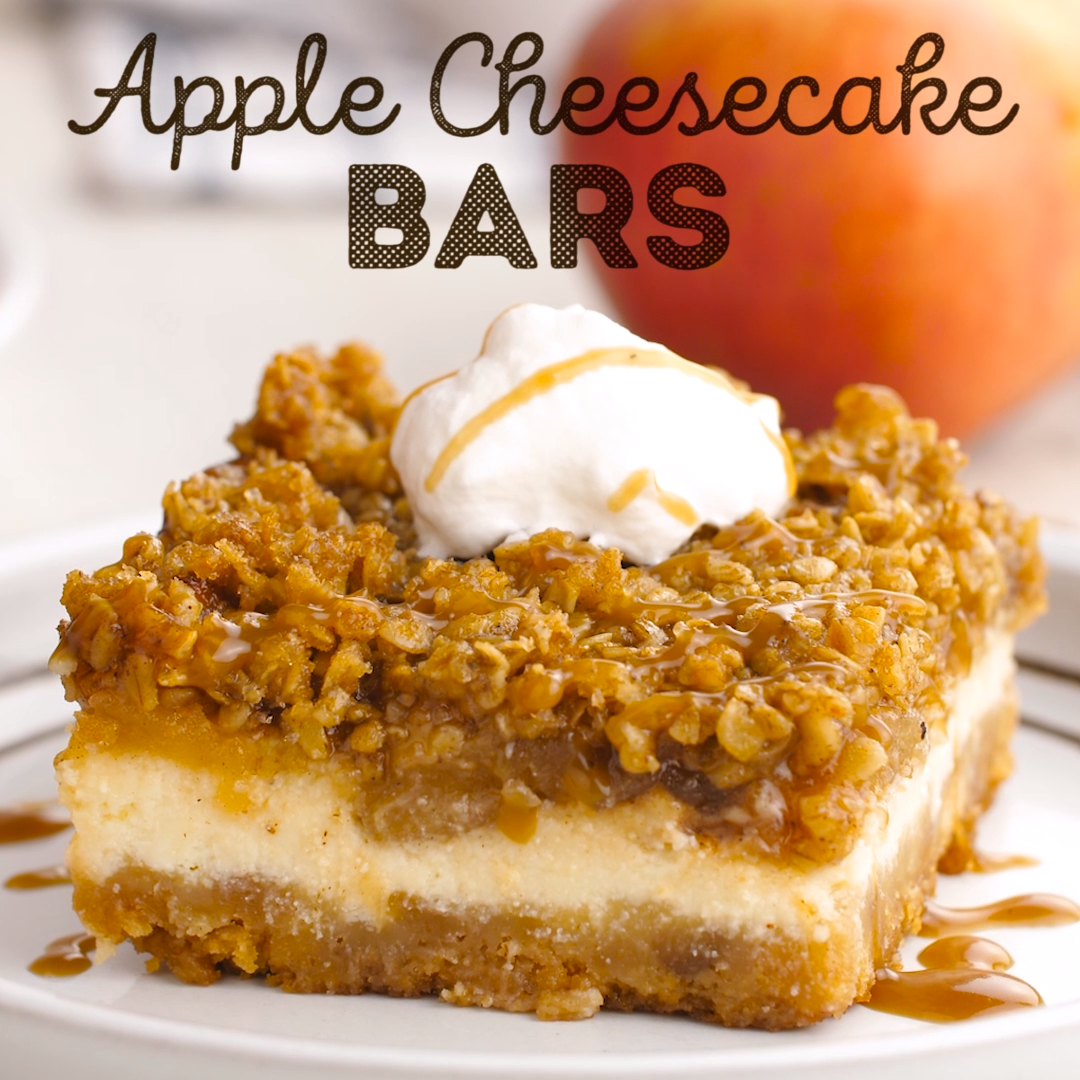 Apple Cheesecake Bars #caramelapples